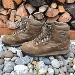 Vasque VTG Hiking Boots 8.5 Brown Suede Leather